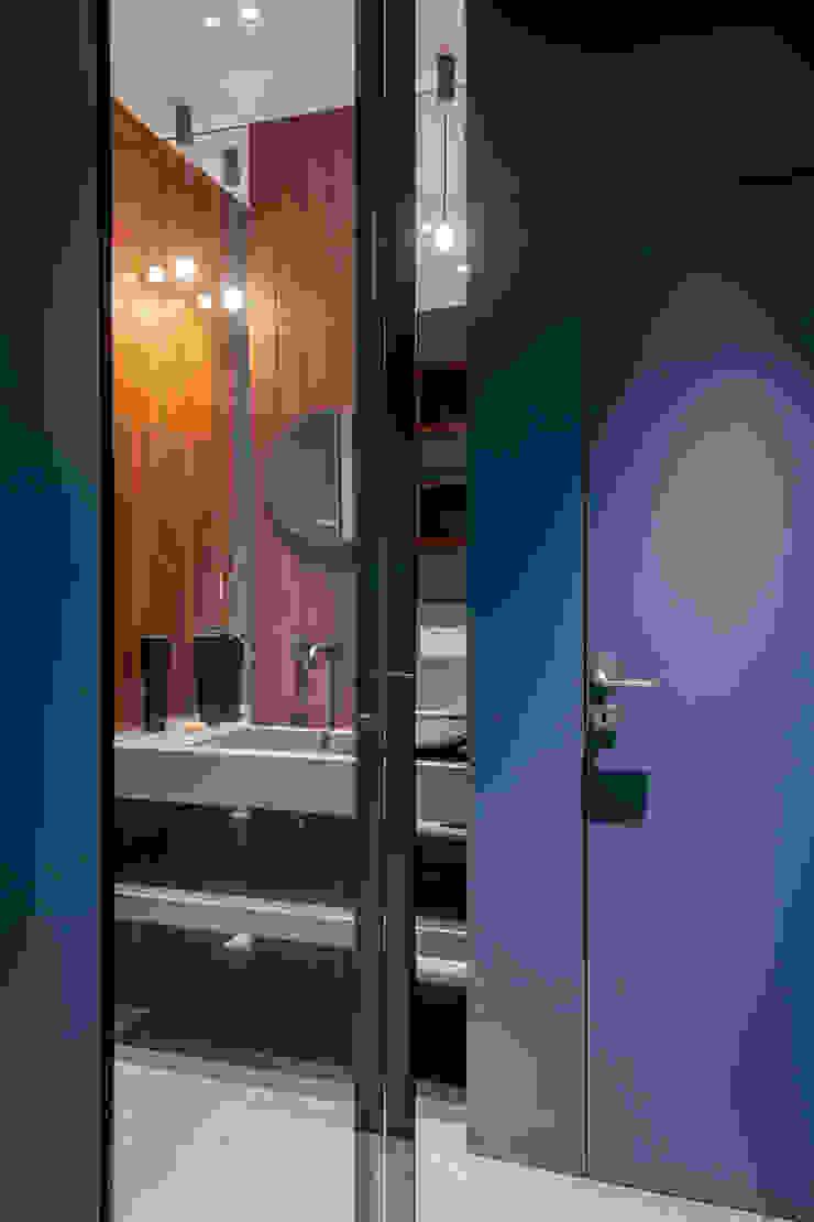 BAGNO BLU - lavabo OPA Architetti Bagno in stile classico Legno Blu
