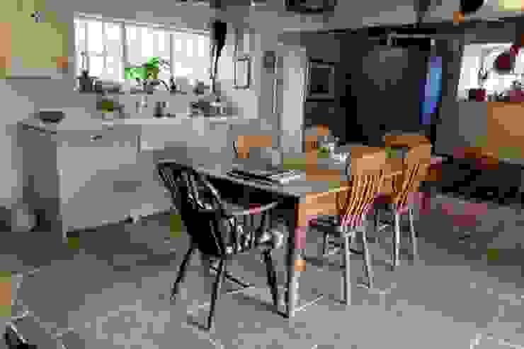 Idee per Imbastire una Cucina da Esterno press profile homify KitchenCabinets & shelves