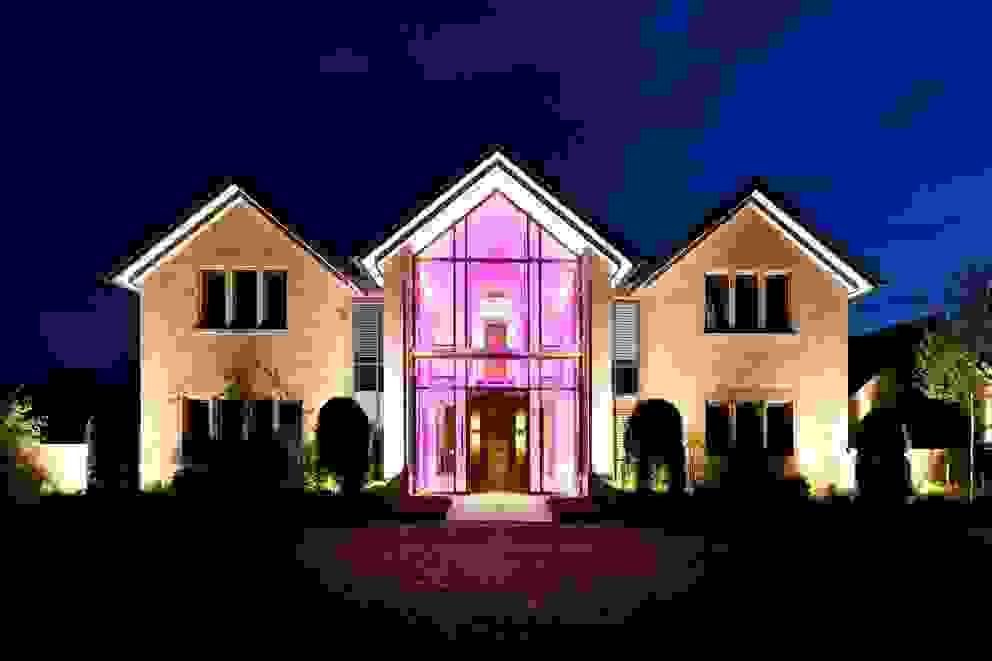 Lancashire Residence Casas modernas: Ideas, imágenes y decoración de Kettle Design Moderno