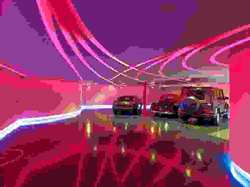Private Garage and party room Garagens e edículas modernas por Tobias Link Lichtplanung Moderno