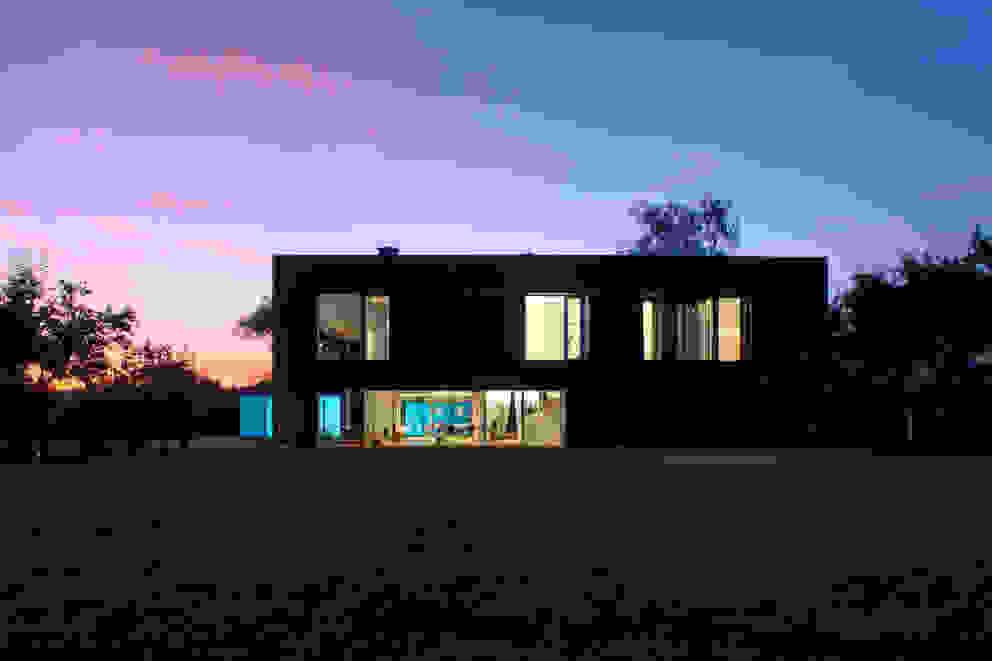 Casas de estilo  por KWK Promes ,
