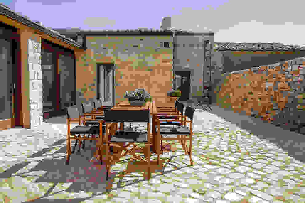 Jardines de estilo rural de Viviana Pitrolo architetto Rural