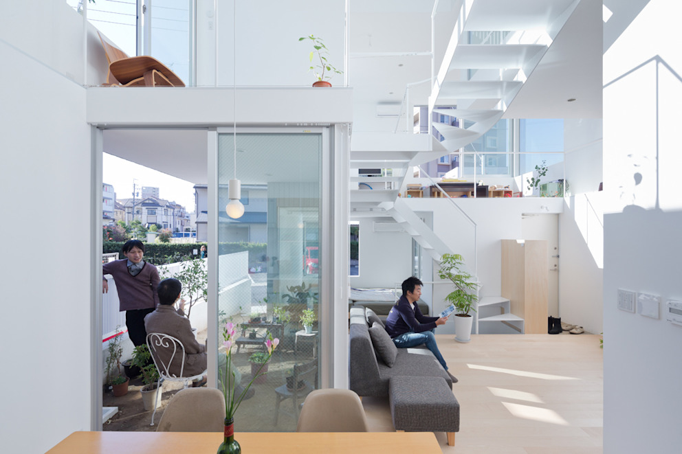 House in Chayagasaka Salon moderne par 近藤哲雄建築設計事務所 Moderne