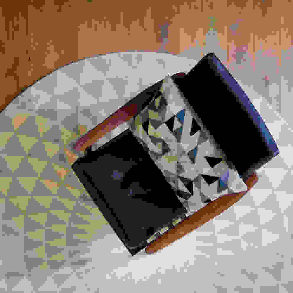 minimalist  by Niki Jones, Minimalist