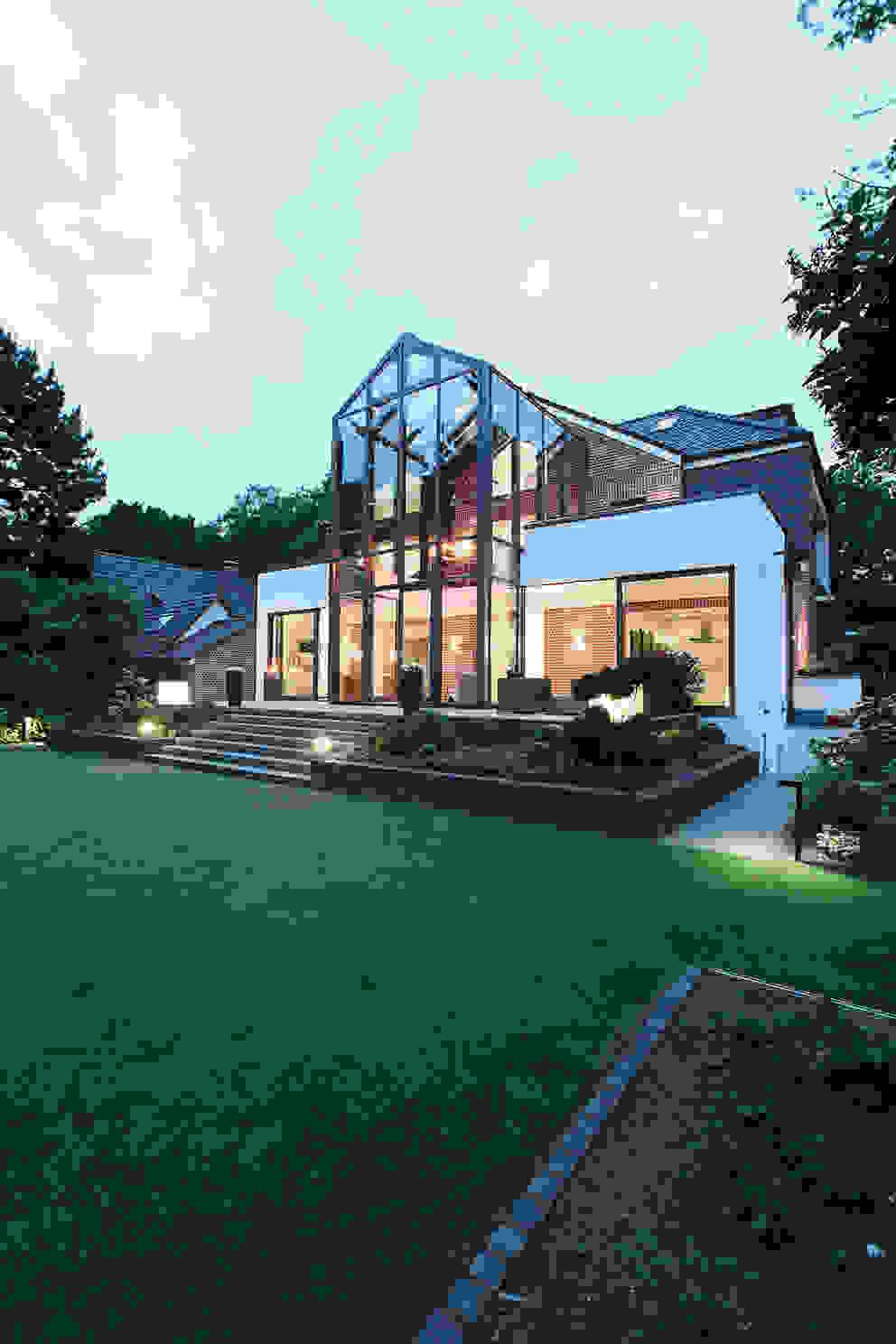Modern home by 28 Grad Architektur GmbH Modern