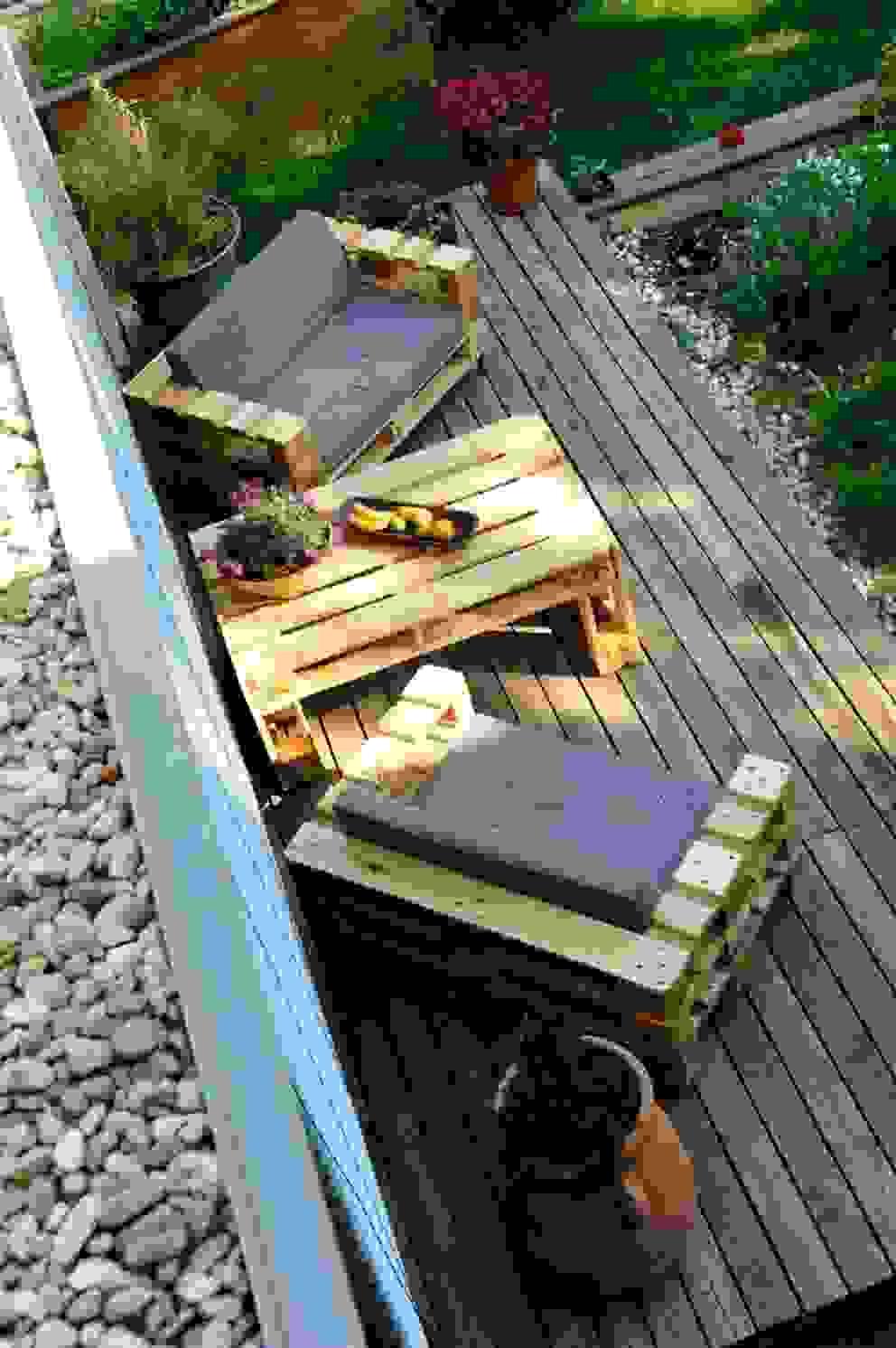 Balconies, verandas & terraces  by palettenmoebel.at
