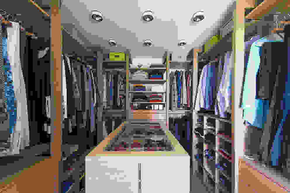 Closets  por DESIGNWERK Christl , Clássico