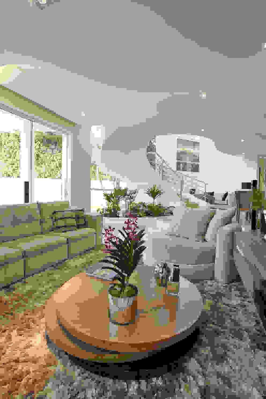 Salas multimedia de estilo  por Arquiteto Aquiles Nícolas Kílaris, Moderno