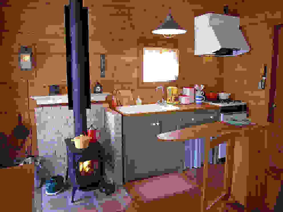 Cozinhas  por Cottage Style / コテージスタイル