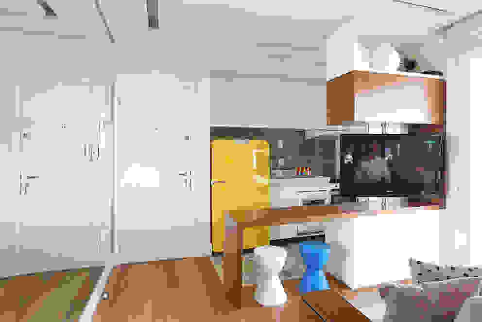 Duda Senna Arquitetura e Decoração ห้องครัว