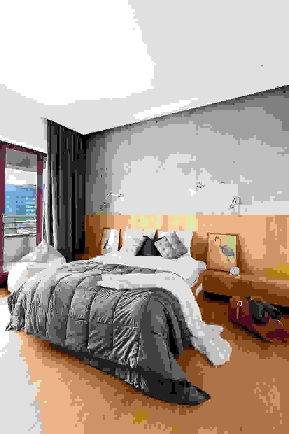 Dormitorios de estilo moderno de Contractors Moderno Concreto