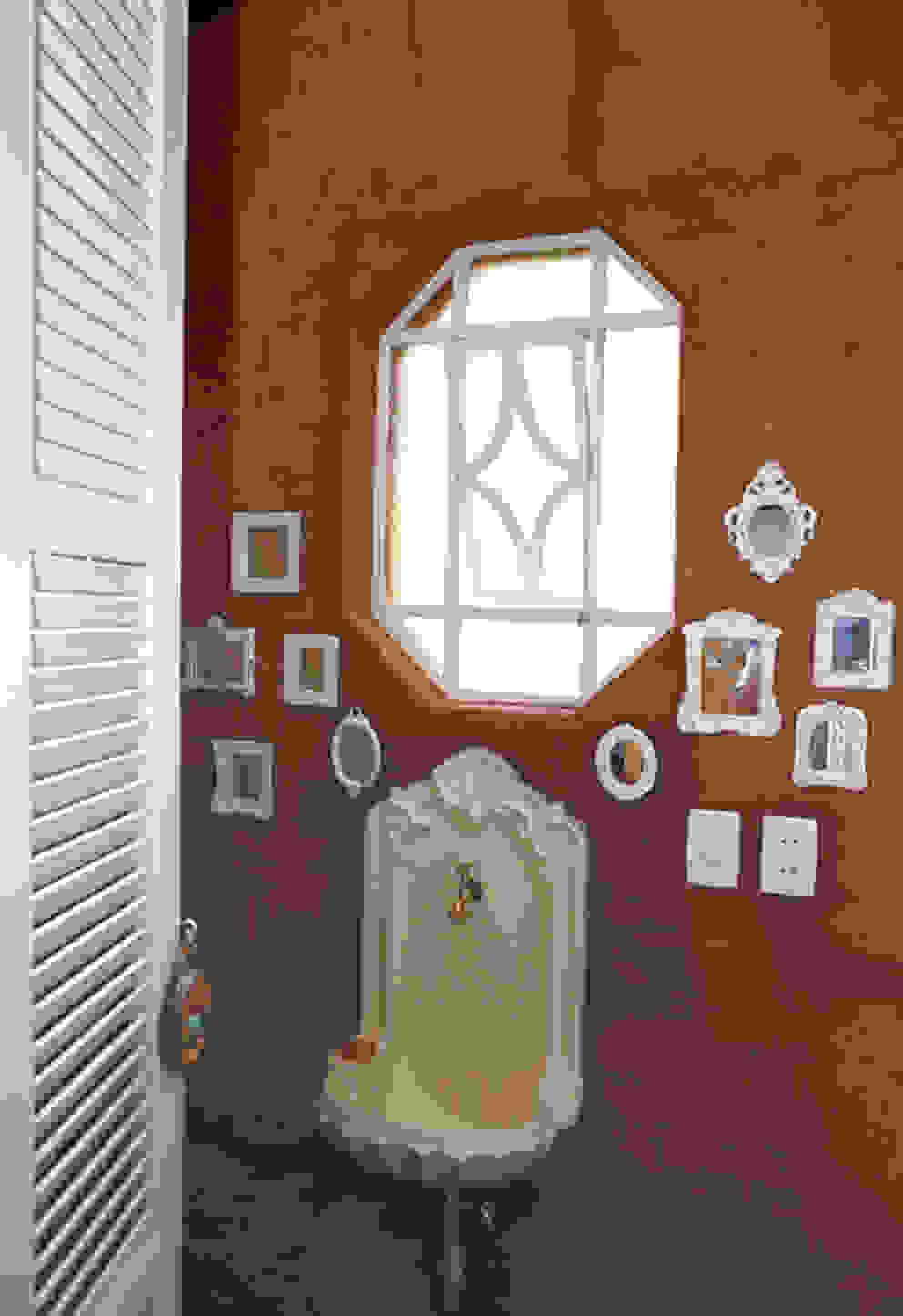 Lavabo Banheiros campestres por Célia Orlandi por Ato em Arte Campestre