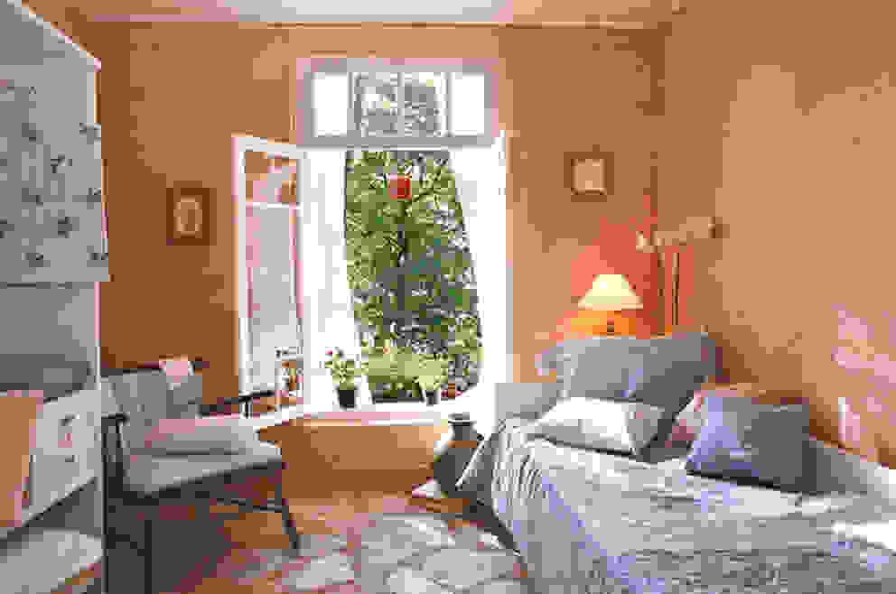 Dormitório Quartos campestres por Célia Orlandi por Ato em Arte Campestre Tijolo