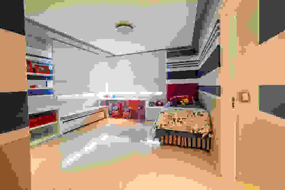 Dormitorios de estilo moderno de Saez Sanchez. Arquitectos Moderno