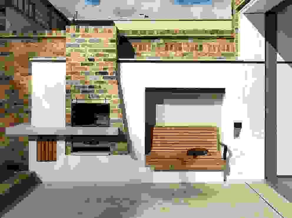 Gretel House Jardins rústicos por Simon Gill Architects Rústico