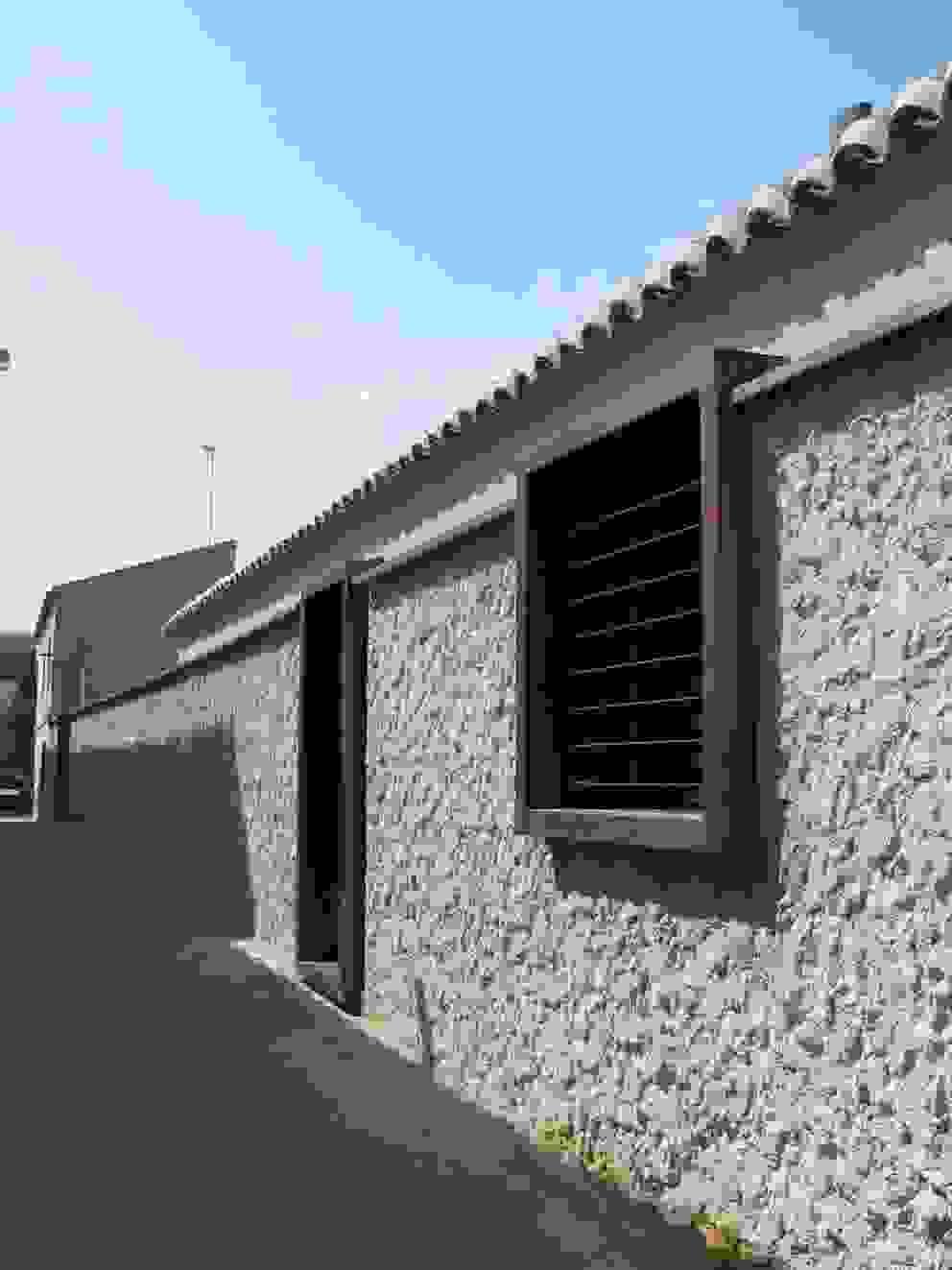 Case in stile minimalista di daniel rojas berzosa. arquitecto Minimalista