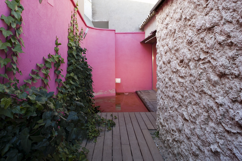 Giardino minimalista di daniel rojas berzosa. arquitecto Minimalista