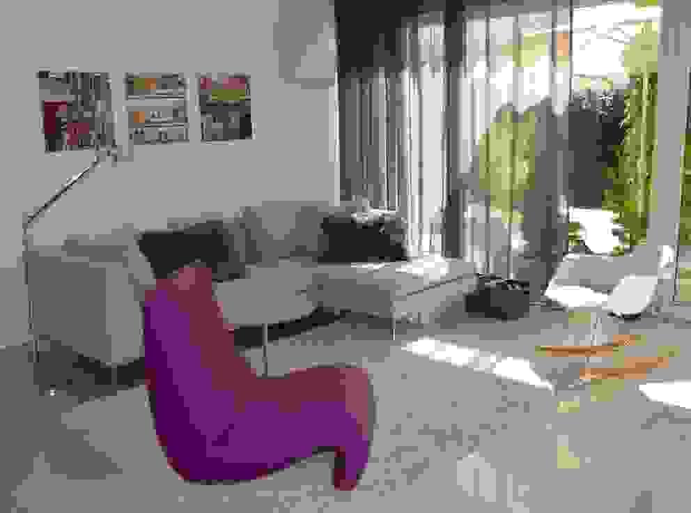 Harmsen Innenarchitektur / ALL ABOUT DESIGN Living room Beige