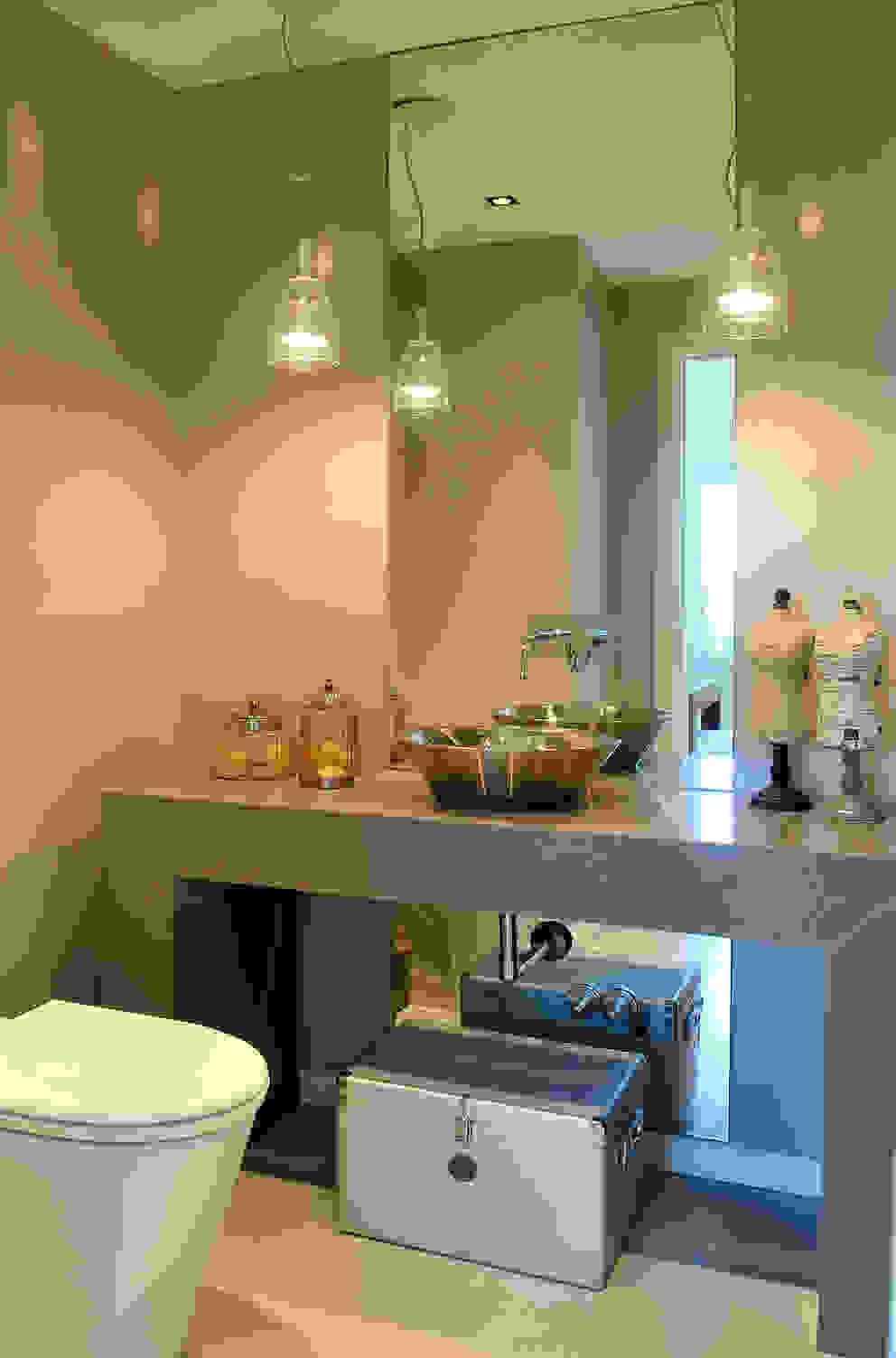 Toilette Baños modernos de Ramirez Arquitectura Moderno Caliza