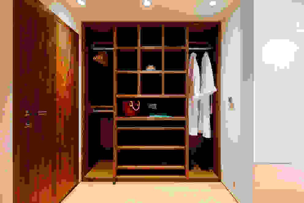 Closets  por Perfect Stays , Moderno