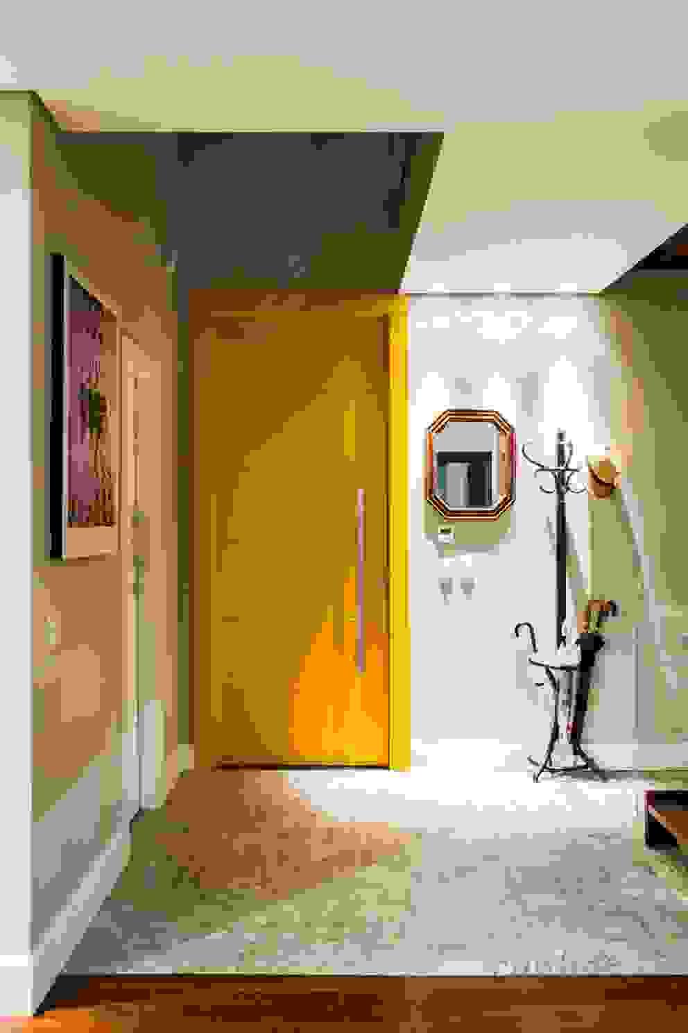 Arquitetura Sustentável Corredores, halls e escadas minimalistas por cunha² arquitetura Minimalista