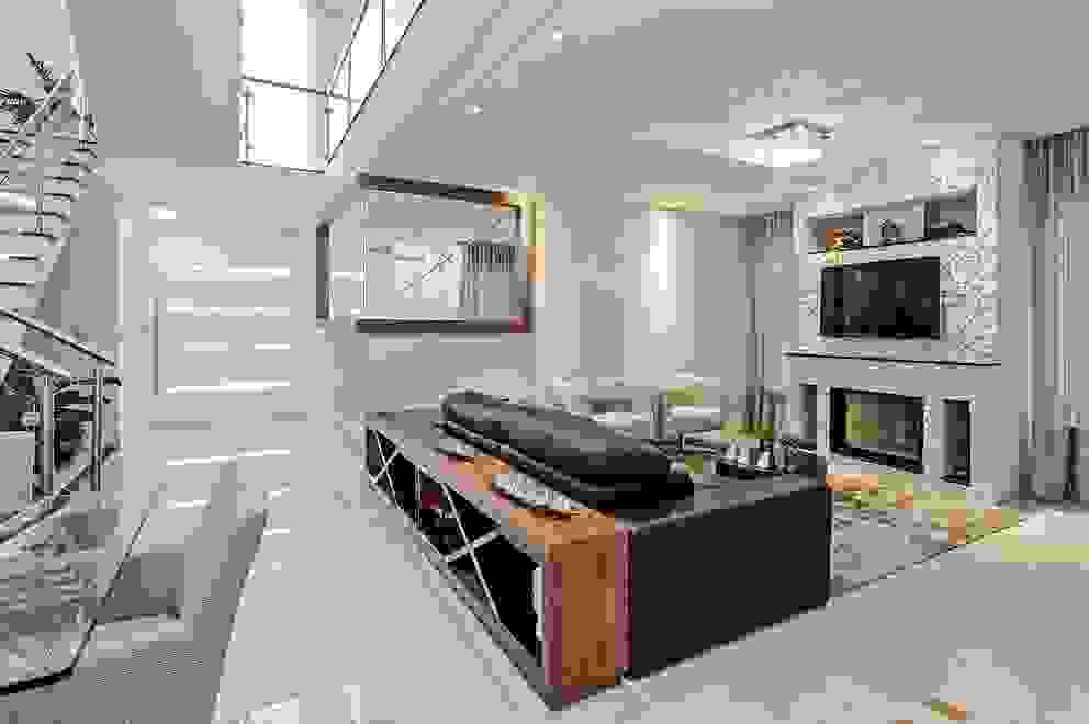 Salas multimedia de estilo  por Patrícia Azoni Arquitetura + Arte & Design, Moderno