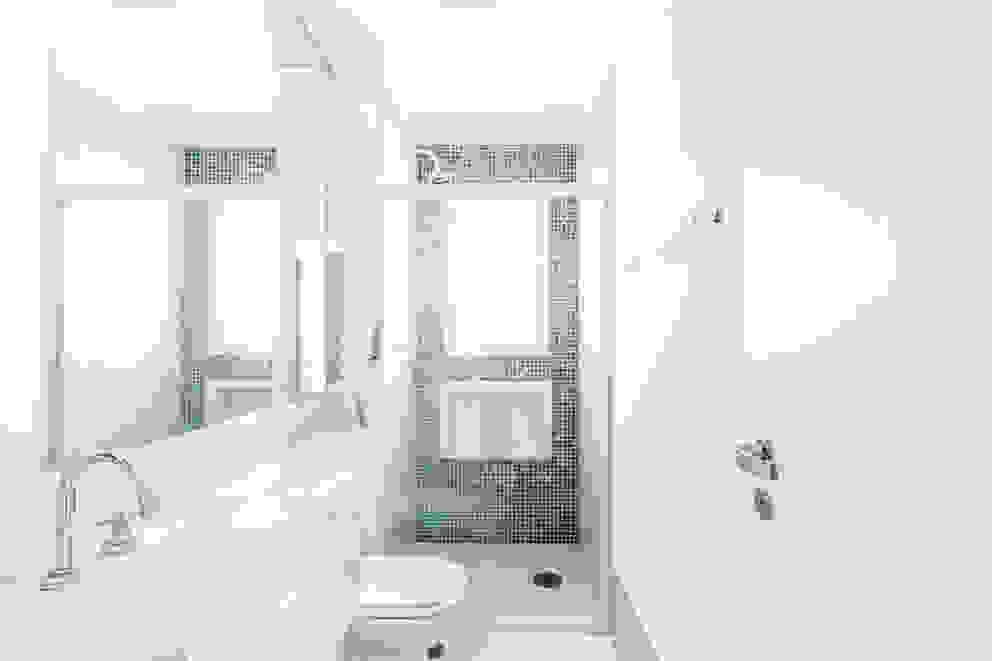Paula Carvalho Arquitetura Baños de estilo moderno