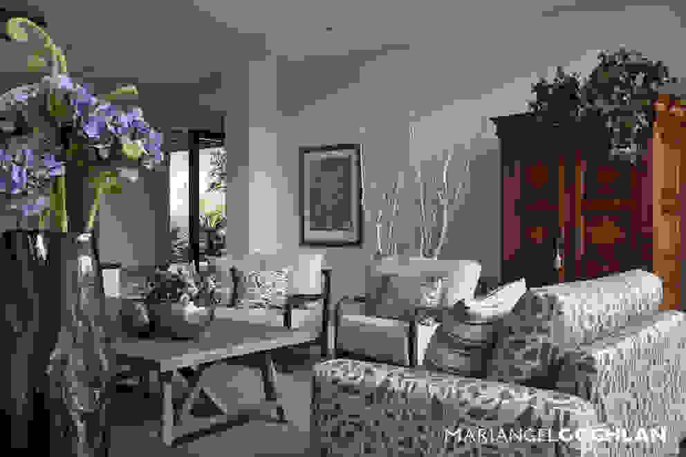 Salas de estar modernas por MARIANGEL COGHLAN Moderno