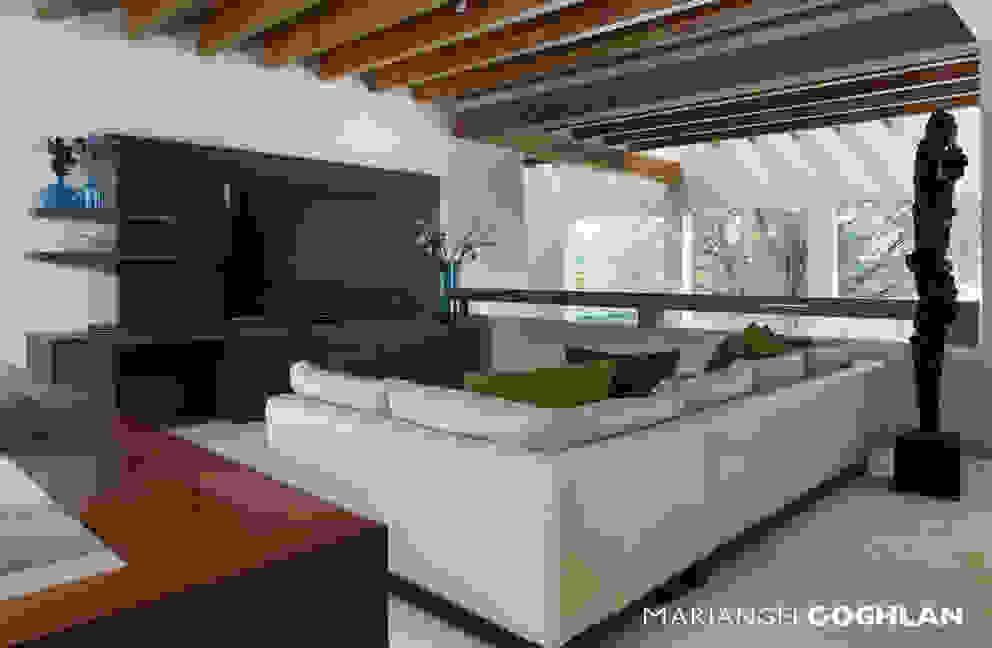 Salas multimídia modernas por MARIANGEL COGHLAN Moderno