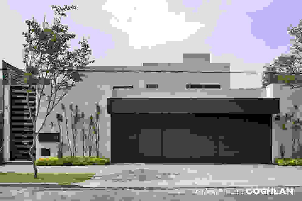 Casas modernas por MARIANGEL COGHLAN Moderno