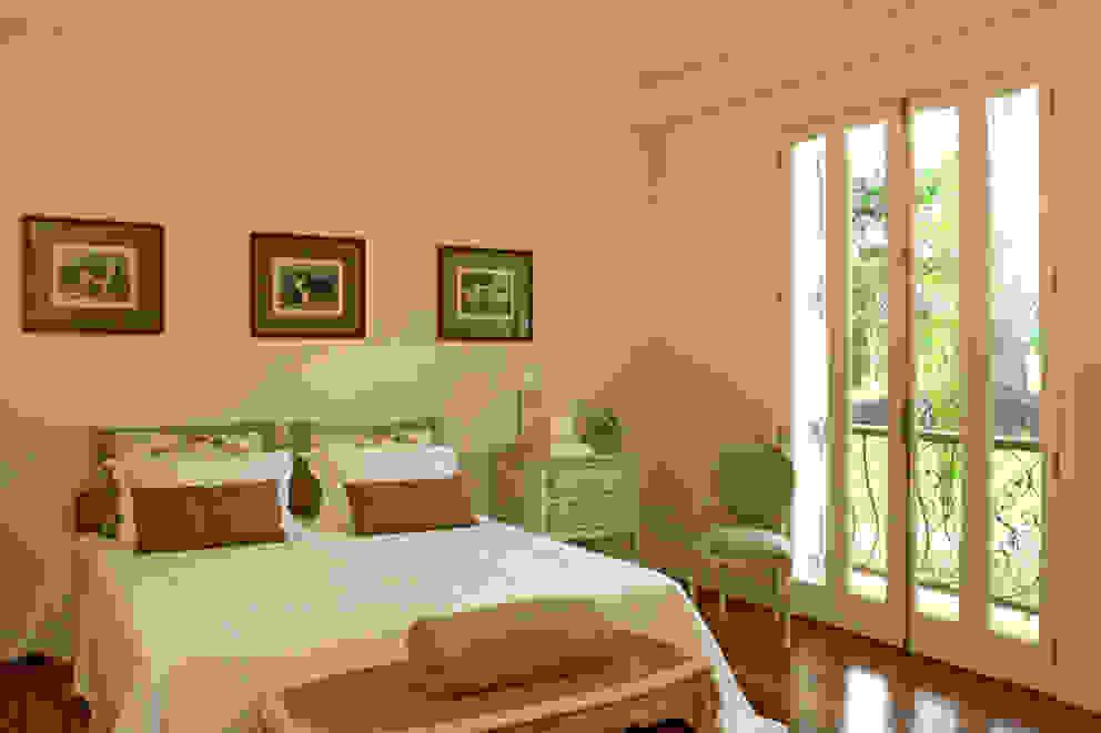 Dormitório por Célia Orlandi por Ato em Arte Campestre