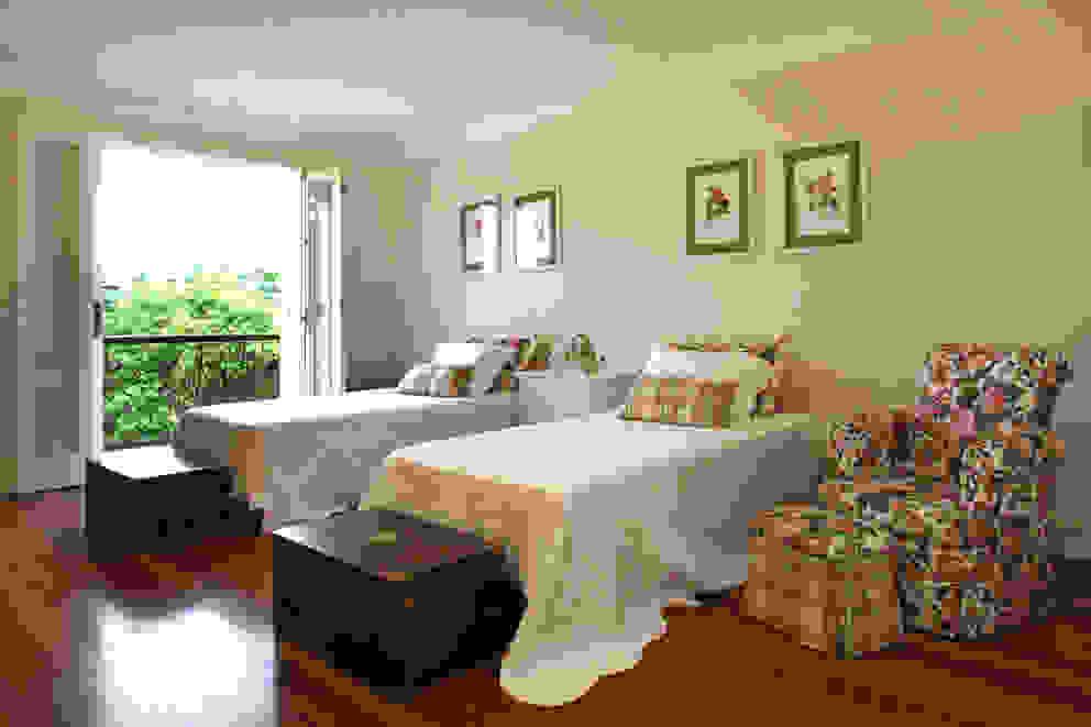 Dormitório Solteiro por Célia Orlandi por Ato em Arte Campestre