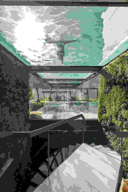 Ingresso, Corridoio & Scale in stile minimalista di guedes cruz arquitectos Minimalista
