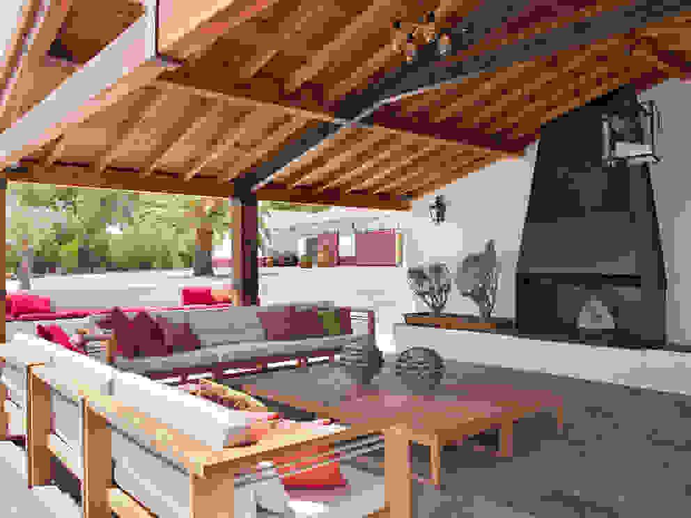 SA&V - SAARANHA&VASCONCELOS Rustic style house
