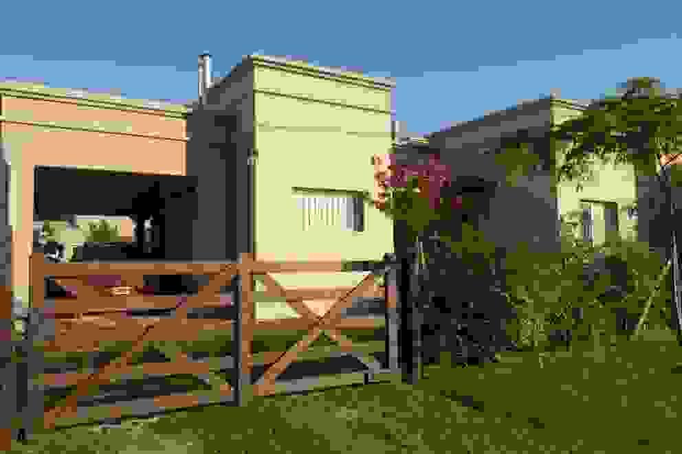 Casas clássicas por GD Arquitectura, Diseño y Construccion Clássico