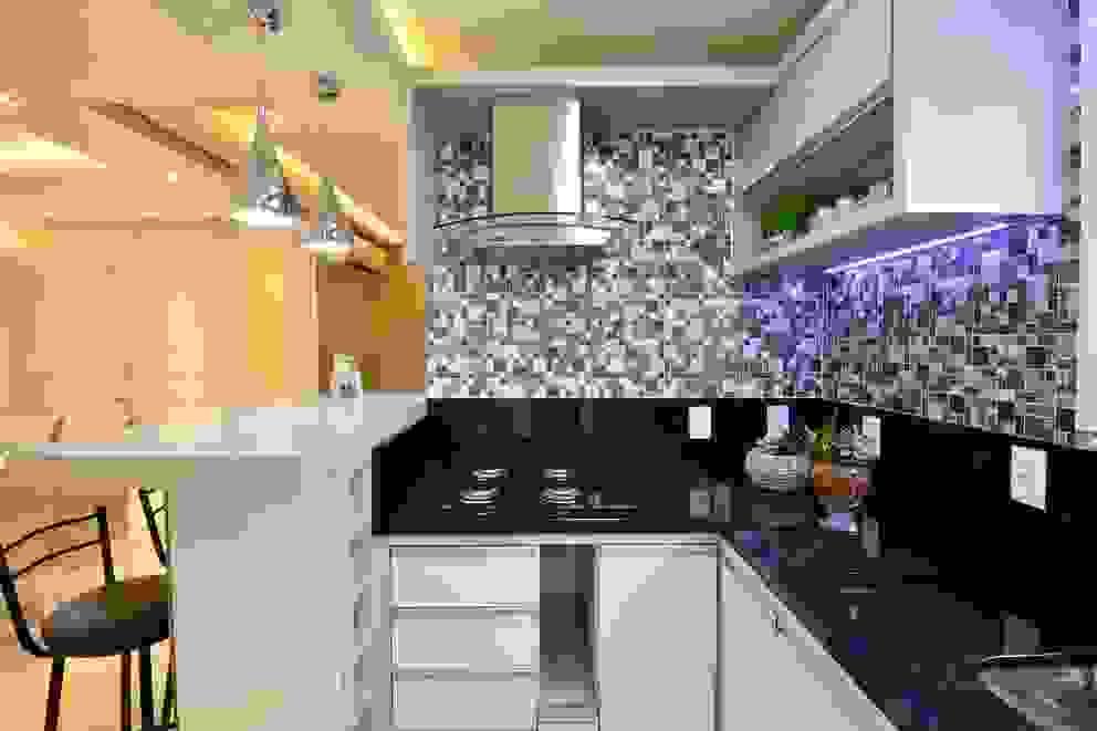 Cocinas de estilo  de Graça Brenner Arquitetura e Interiores