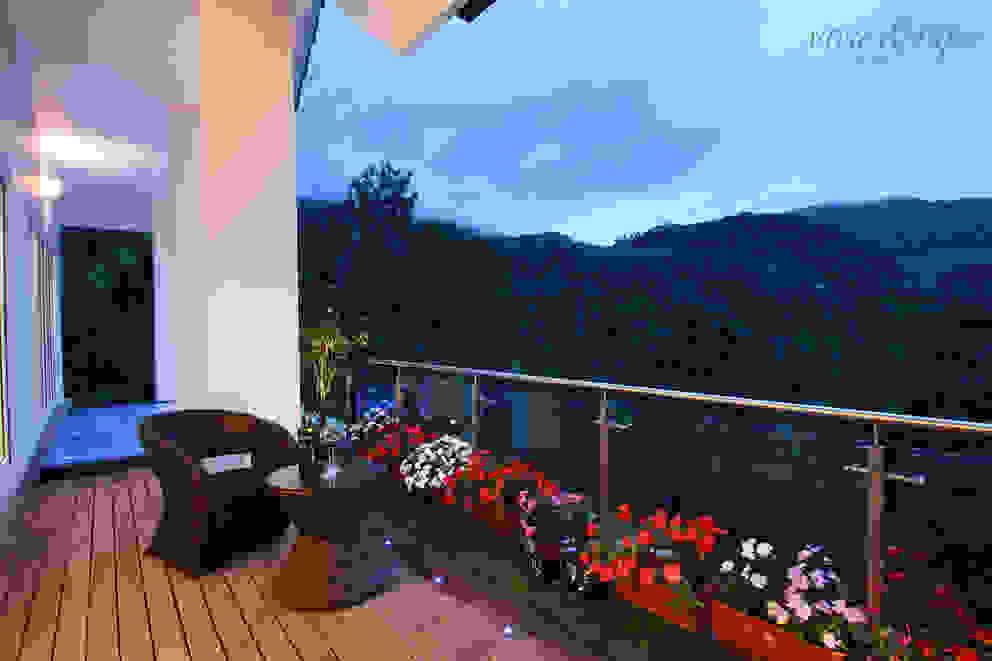 Outdoor Deck Savio and Rupa Interior Concepts Modern style gardens