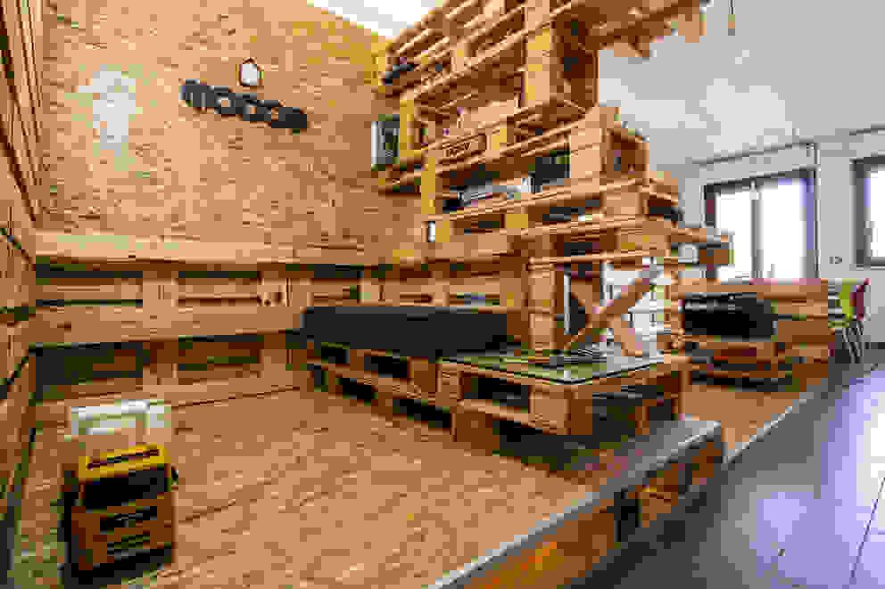 MODOM Office - Modular Work Space di MODOM srl Moderno Legno Effetto legno