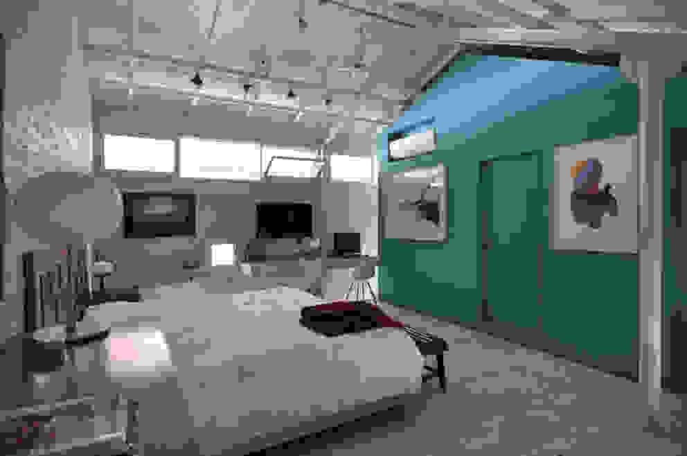 Dormitorio Dormitorios de estilo moderno de Matealbino arquitectura Moderno