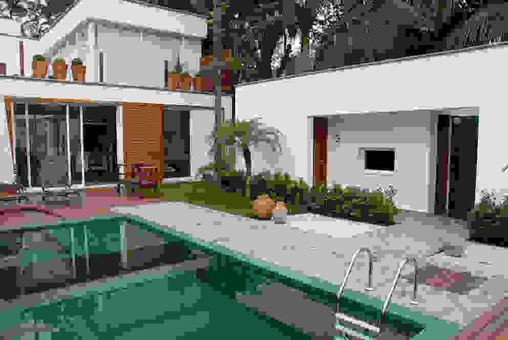 Pool by MONICA SPADA DURANTE ARQUITETURA