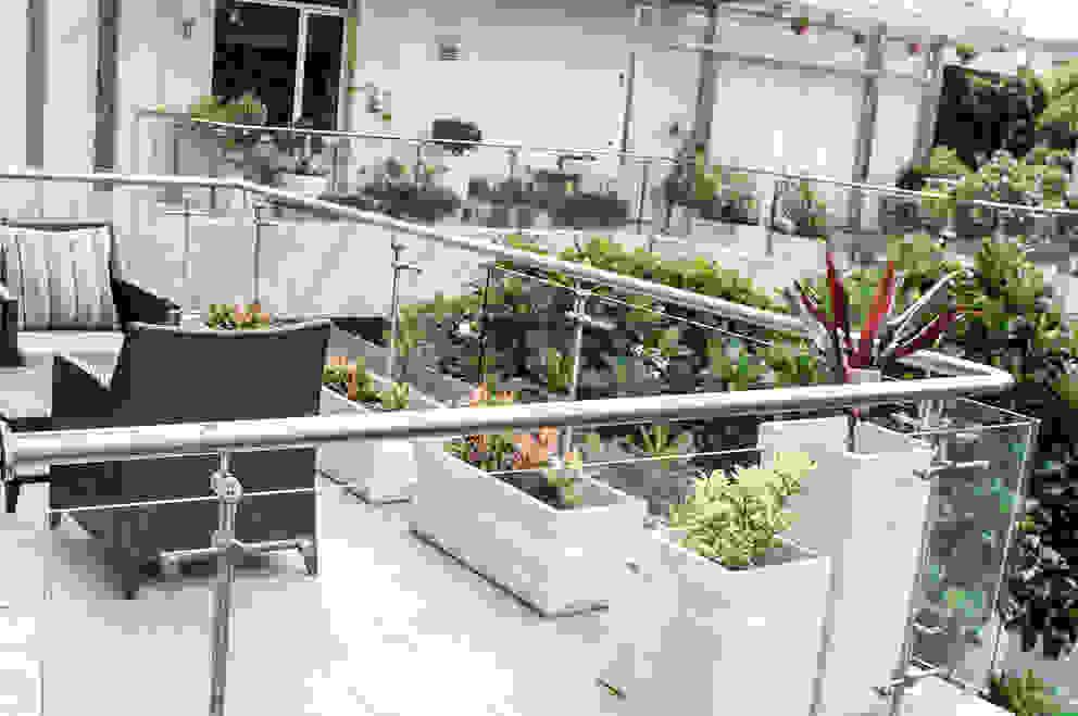 Terrace Garden Decor at Civil Lines, Delhi Grecor Floors White