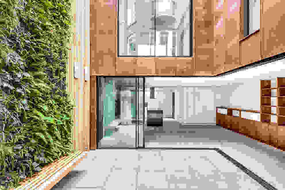 Welbeck Street IQ Glass UK Glass doors Glass Grey