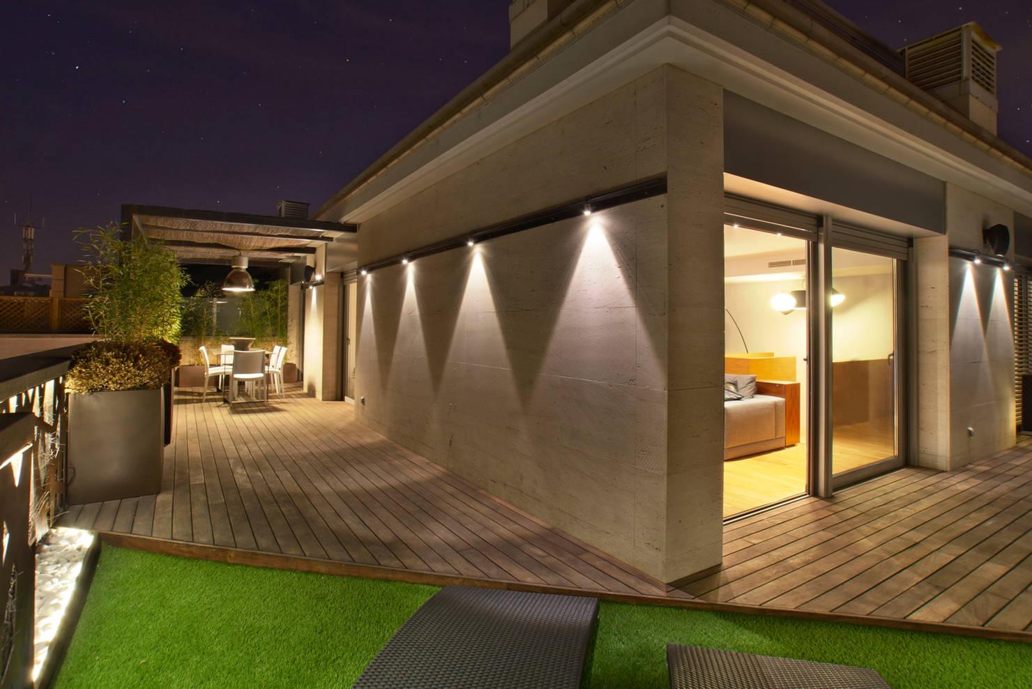 28 ideias incríveis para iluminar as paredes da sua casa