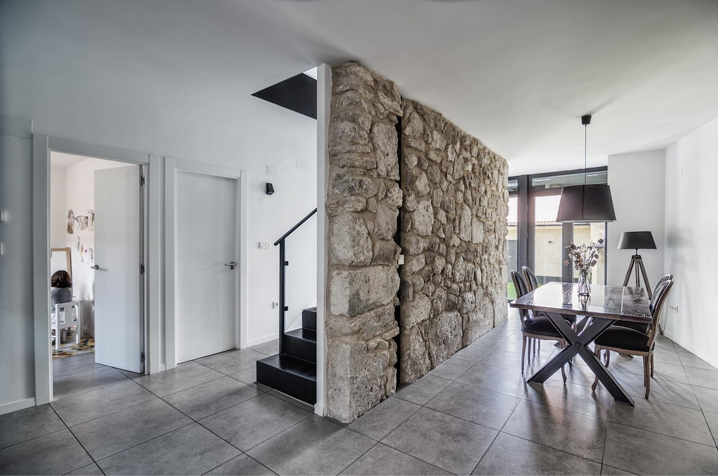Wall Decor: 8 stone wall tricks that will give your home a modern twist