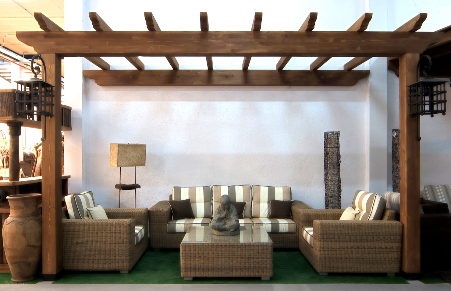 25 wooden pergolas that will encourage you to put one in your garden
