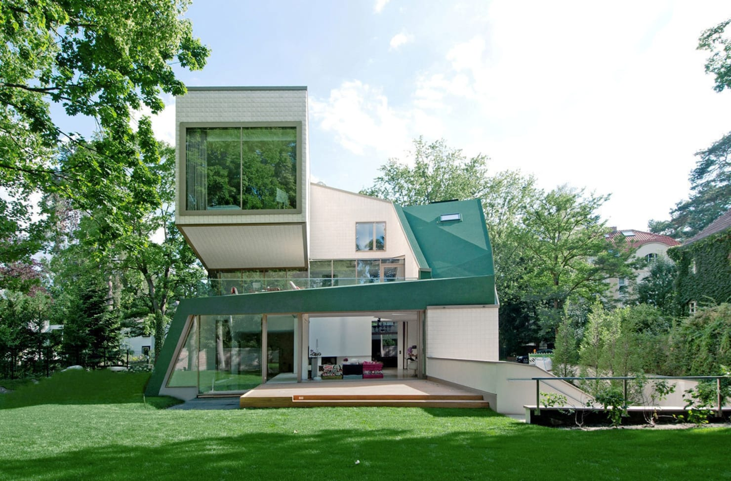 5 of the most oddly-shaped homes of 2016