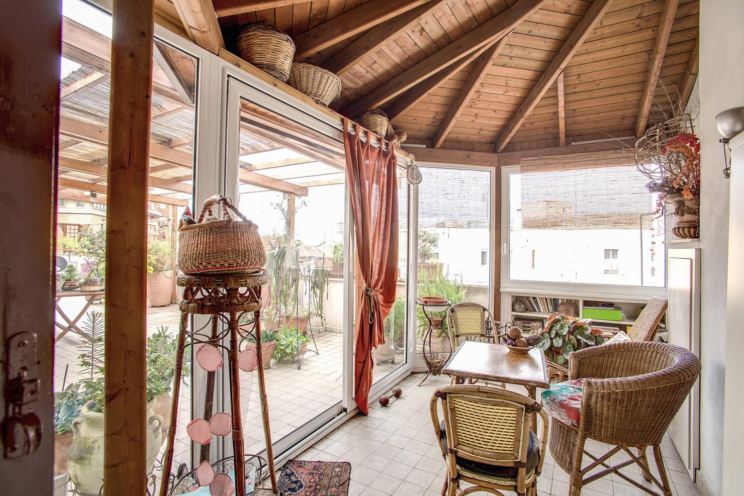 Verande in Legno: Prezzi e Idee per Balcone e Terrazzo