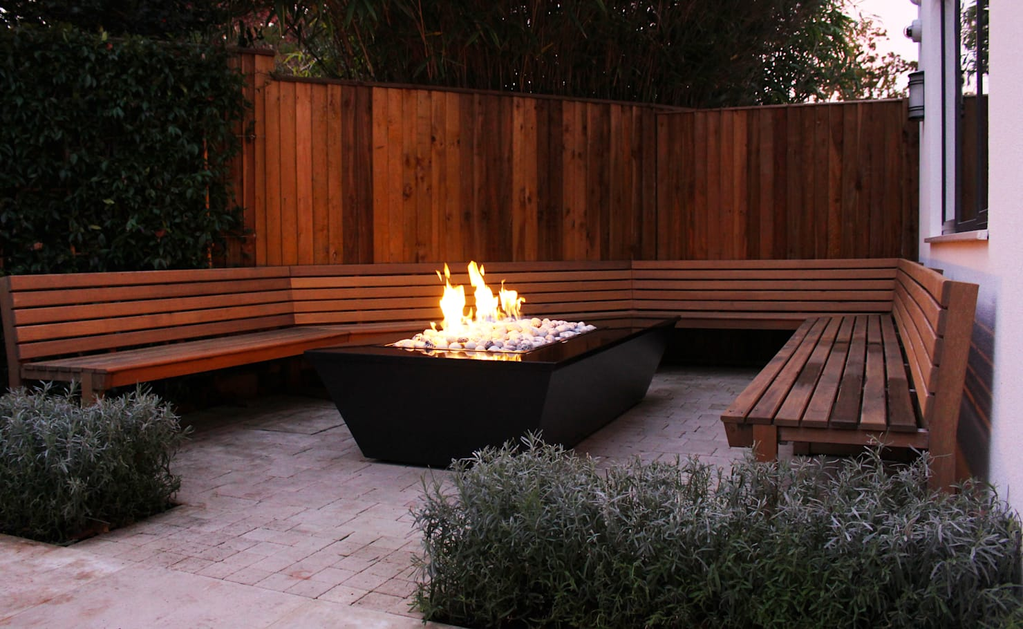 Garden ideas for sociable flavour to outdoor space