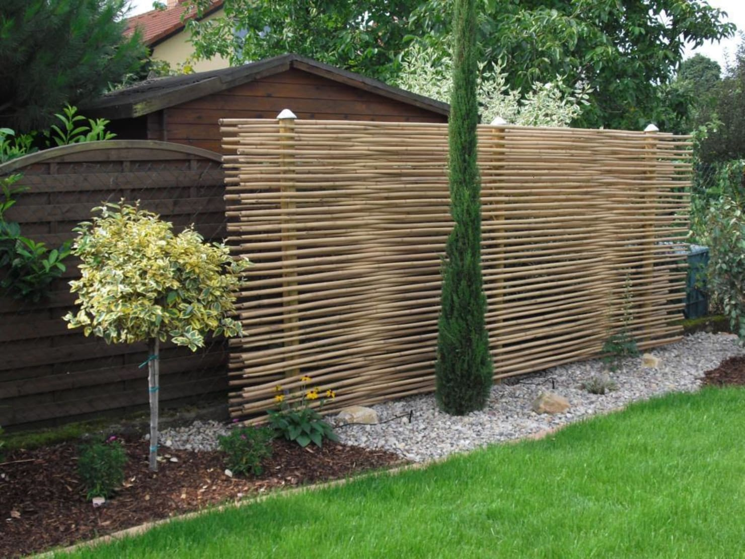 11 absolutely fabulous fences to enhance your garden