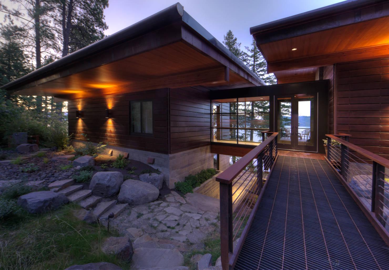 Фантастически красивый дом у озера!
